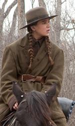 C'era una volta il western - Hailee Steinfeld (Mattie Ross) in una scena del film Il grinta.