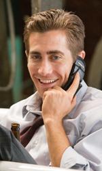 Il sesso � l'anima del commercio - Jamie al telefono in una posizione un po' insolita.