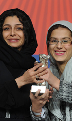 Festival di Berlino, trionfa Nader And Simin - Le attrici Sareh Bayat e Sarina Farhadi, vincitrici dell'Orso d'argento per la miglior attrice dell'anno, per il film Nader and Simin, A Separation.