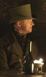 Dovete fare un film contro Berlusconi - Simon Pegg in una scena del film Ladri di cadaveri - Burke & Hare di John Landis.