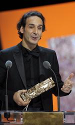 César 2011: vince Uomini di Dio - Il compositore Alexandre Desplat riceve il César per la migliore musica. Desplat ha composto la colonna sonora di L'uomo nell'ombra di Roman Polanski.