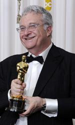 Oscar, trionfa Il discorso del re - Randy Newman con l'Oscar vinto per la musica di Toy Story 3.