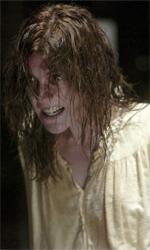 Quarant'anni di esorcismi cinematografici - Jennifer Carpenter intepreta Emily in L'esorcismo di Emily Rose del 2005. Il film, diretto da Scott Derrickson, punta molto sull'aspetto orrorifico e realistico attraverso il format del film processuale.