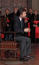 Habemus Papam, le foto - Lo psichiatra sulla sedia del papa, anzich� il papa sul lettino dello psichiatra.