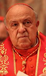 Habemus Papam, le foto - Lo sguardo severo di Renato Scarpa nei panni di cardinale.