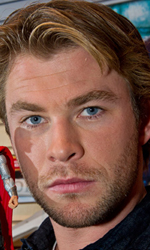 Un arrogante guerriero in punizione sulla Terra - Chris Hemsworth alla Toy Fair.