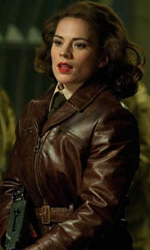 Teschio Rosso fa la sua comparsa con l'uniforme dell'Hydra - Hayley Atwell in una scena di <em>Captain America: The First Avenger</em>.