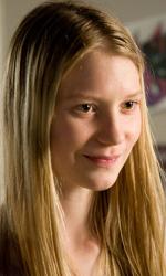 Le seconde generazioni stanno bene - Joni (Mia Wasikowska), figlia adolescente della coppia lesbica Nic-Jules.