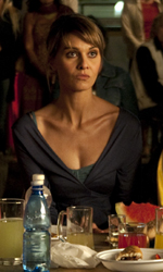Cortellesi, escort per fiction - Una scena del film <em>Nessuno mi pu� giudicare</em> di Massimiliano Bruno.