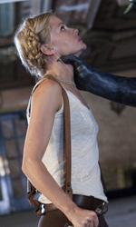 Dylan Dog, le nuove foto - Elizabeth sembra in difficoltà in una scena del film Dylan Dog - Il film di Kevin Munroe.