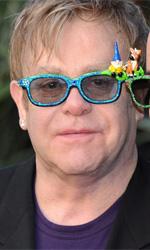 Una canzone d'amore per Gnomeo e Giulietta - Elton John e il marito David Furnish alla premiere britannica di Gnomeo & Giulietta. Il film, di cui Furnish è produttore, può contare su una colonna sonora d'eccezione: la celebre 'Your Song' del cantautore inglese.