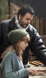 Opinioni di un clone - Mark Romanek spiega qualcosa a Carey Mulligan sul set del film Non lasciarmi.