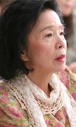 Poetry o l'elogio del vuoto - Yu Junghee (Mija) in una scena del film Poetry di Lee Chang-dong.