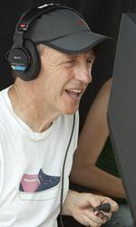 Mia moglie per finta, le bugie hanno le gambe lunghe - Il regista Dennis Dugan al lavoro sul set.