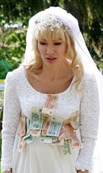 Michelle Bonev: 'Il mio film è la mia difesa' - Una giovane Jana in abito da sposa.