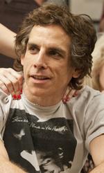 Una buffa e commovente storia d'amore - Roger (Ben Stiller) si fa massaggiare in una scena del film Lo stravagante mondo di Greenberg di Noah Baumbach.