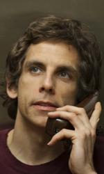 Una buffa e commovente storia d'amore - Roger al telefono in una scena del film Lo stravagante mondo di Greenberg di Noah Baumbach.