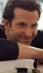 Bradley Cooper: il mio sballo? Le mozzarelle - Bradley Cooper in una scena del film Limitless, thriller diretto da Neil Burger.