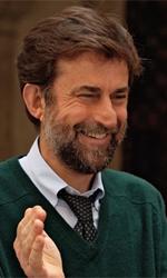 Habemus Nanni - Nanni Moretti, regista e inteprete di Habemus Papam, batte divertito le mani in una scena del film.