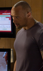 The Rock cerca vendetta - Driver in una scena del film Faster.