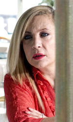 Habemus Bel�n - Marta (Iaia Forte), ex moglie di Piero, in una scena del film Se sei cos� ti dico s�.
