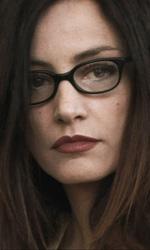 Diciottanni, storia di un adolescente cresciuto troppo in fretta - L'insegnante Silvia in una scena del film <em>Diciottanni - Il mondo ai miei piedi</em>.