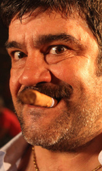 Faccio un salto all'Avana, commedia leggera ma fuori dai clich� - Francesco Pannofino (Vittorio) in una scena del film Faccio un salto all'Avana di Dario Baldi.