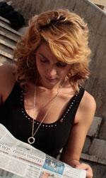Donatella Finocchiaro: 'I veri miracoli sono dentro di noi' - La madre di Manuela in una scena del film I baci mai dati.