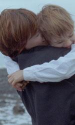 Ang�le e Tony, il nuovo neorealismo parla francese - Ang�le abbraccia il figlio in una scena del film <em>Ang�le e Tony</em>.