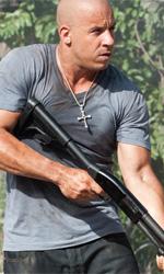 I pirati (della strada) dei Caraibi - Vin Diesel e Paul Walker armati fino ai denti in una scena del film <em>Fast & Furious 5</em>, di Justin Lin.