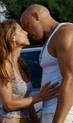 La formula d'azione perfetta - Vin Diesel in una scena romantica del film Fast & Furious 5 di Justin Lin.