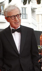 Cannes, il glamour  Gaga - Woody Allen con il cast di <em>Midnight in Paris</em>.