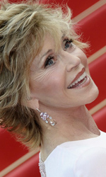 Cannes, motori caldi ma ruote ferme - Jane Fonda sul red carpet di <em>Sleeping Beauty</em>.