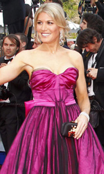 Cannes, motori caldi ma ruote ferme - La modella Hofit Golan sul red carpet di Sleeping Beauty.