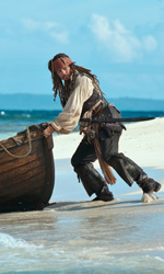 Pirati dei Caraibi 4 in testa al botteghino italiano - In foto l'attore Johnny Depp nei panni di Jack Sparrow, il protagonista di Pirati dei Caraibi - Oltre i confini del mare di Rob Marshall.