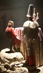The Wholly Family, le foto - Ancora Jack a tavola in una scena del film <em>The Wholly Family</em>.