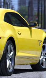 Tornano le macchine al cinema - La Chevrolet Camaro sul set del film Transformers 3 di Michael Bay.
