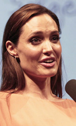 Angelina Jolie regista premiata al Festival di Sarajevo - In foto Thomas Schubert e Angelina Jolie, premiati al Film Festival di Sarajevo.