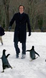 Con quella faccia un po' cos� - Una foto di scena del film I pinguini di Mr. Popper.
