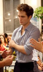 A tre mesi dall'uscita, nuove foto ufficiali di Breaking Dawn - Condon, Pattinson e Stewart.