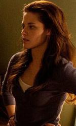 A tre mesi dall'uscita, nuove foto ufficiali di Breaking Dawn - Condon, Pattinson e Stewart.