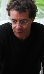 E se un giorno gli extracomunitari sparissero? - In foto il regista Francesco Patierno, con Valentina Lodovini sul set di Cose dell'altro mondo.