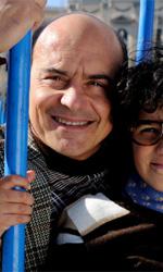La kryptonite nella borsa, l'album di famiglia - pagina 3 - In foto Antonio Sansone (Luca Zingaretti) con il figlio Peppino (Luigi Catani), che � cresciuto e ha messo gli occhiali, cosa di cui si vergogna non poco.