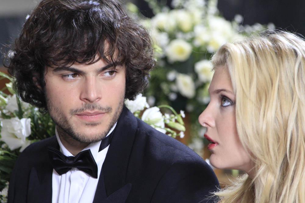 Matrimonio In Parigi : Matrimonio a parigi i guai di un piccolo imprenditore