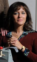 La kryptonite nella borsa, l'album di famiglia - pagina 4 - Rosaria Sansone con la collega Assunta. Insieme parlano delle loro vite mentre scrivono lettere commerciali sulle loro Olivetti lettera 32.