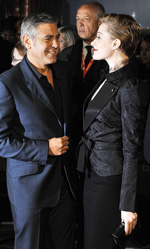 George Clooney non vuole fare il politico - In foto George Clooney e Evan Rachel Wood sul red carpet del London Film Festival.