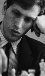 Bobby Fischer Against the World, la vera partita era nella sua mente - Bobby Fischer impegnato in una partita di scacchi in una scena del film <em>Bobby Fischer Against the World</em> di Liz Graber.