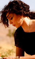 E ora dove andiamo?, donne unite contro la guerra - In foto Nadine Labaki in una scena del film E ora dove andiamo?, di cui � anche sceneggiatrice e regista.