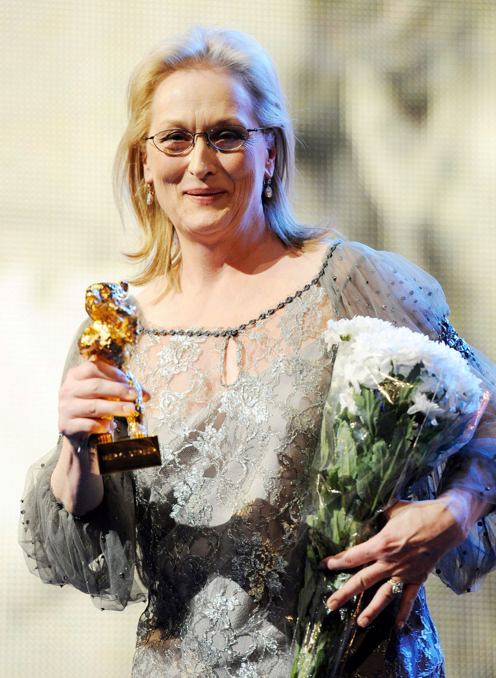 Berlinale 2012, Meryl Streep e l'obbligo di avere paura - Meryl Streep riceve l'Orso d'oro alla carriera.