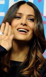 Berlinale 2012, Fassbender preso a calci da una donna! - Salma Hayek al photocall.